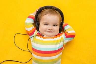Leben mit Hörbehinderung: Kleinkind