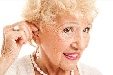 Leben mit Hörbehinderung: Ältere Generation